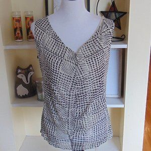 *570 New York & Company Patterned Blouse